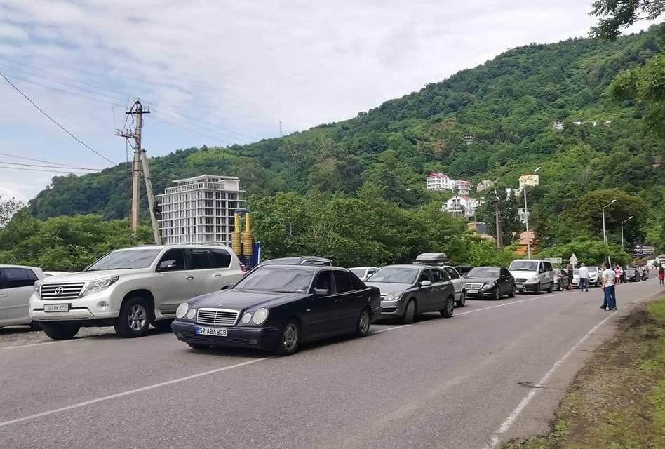 სარფის საბაჟოზე ავტომანქანების მოძრაობა აღდგა