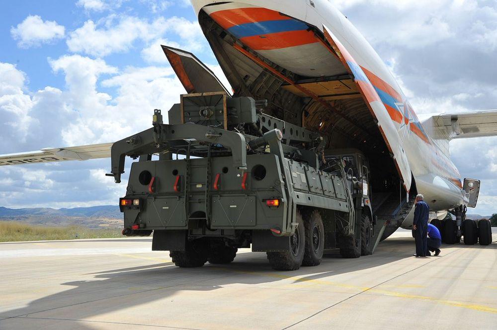 По данным Bloomberg, США планируют ввести санкции против Турции