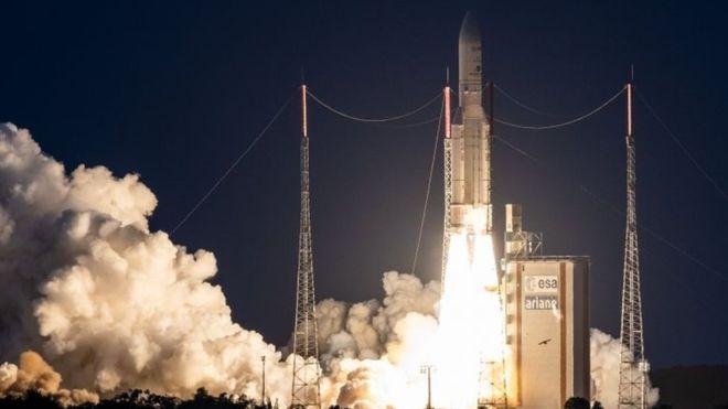 Emmanuel Makronun dediyinə görə, Fransa kosmik müdafiə baş qərargahını yaradacaq