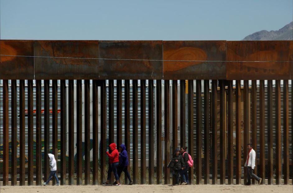 აშშ-ის მთავრობა სამხრეთი საზღვრიდან შესული მიგრანტებისთვის თავშესაფრის მინიჭების წესებს ამკაცრებს