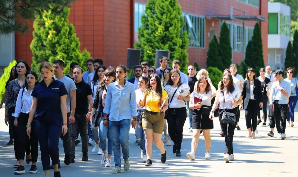 შსს-ის სტრუქტურულმა ქვედანაყოფებმა სტუდენტებს 400-მდე ვაკანსია და სტაჟირება შესთავაზეს