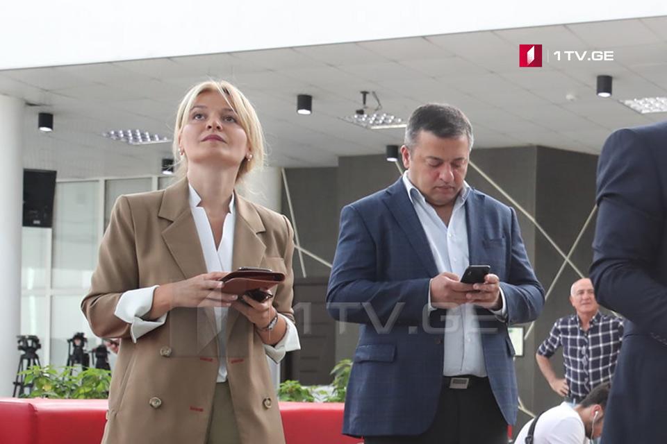 """""""გამარჯვებული საქართველოს"""" ერთ-ერთი დამფუძნებელი აცხადებს, რომ ირაკლი ოქრუაშვილი გუშინ """"რუსთავი 2""""-ის ჟურნალისტებს შეხვდა"""