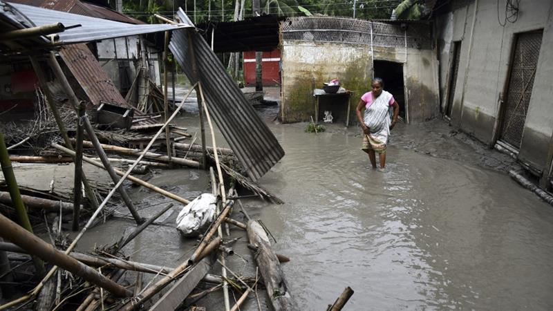 მიმდინარე თვის დასაწყისიდან, ინდოეთის ორ შტატში წყალდიდობასა და მეწყერს 140-ზე მეტი ადამიანი ემსხვერპლა