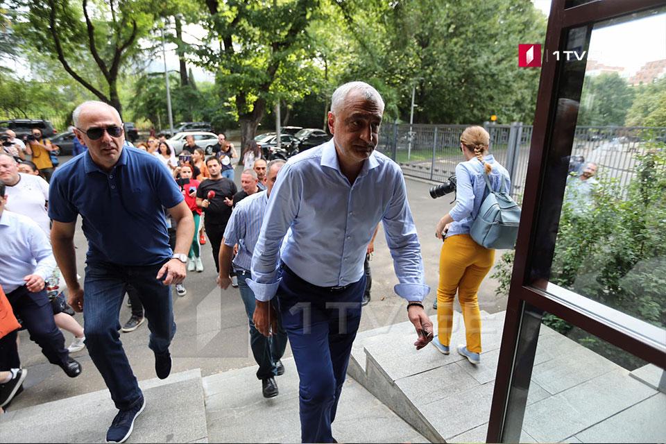 Мамука Хазарадзе и Бадри Джапаридзе явились в прокуратуру