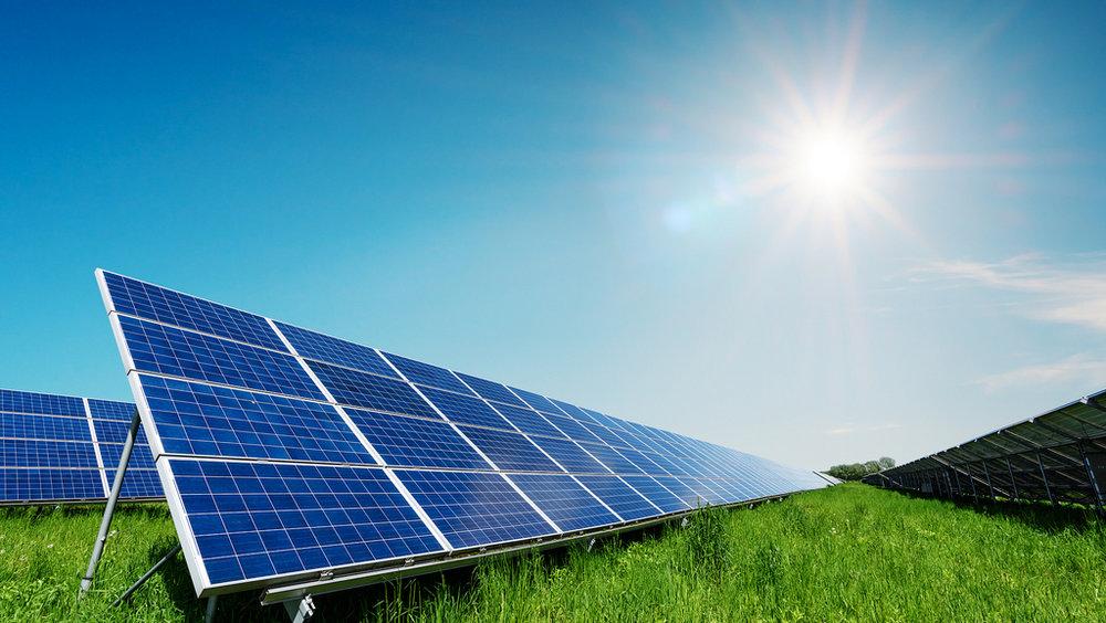 ახალი მოწყობილობა, რომელიც სითბოს სინათლედ გარდაქმნის, მზის პანელების ეფექტიანობას 80%-ით ზრდის
