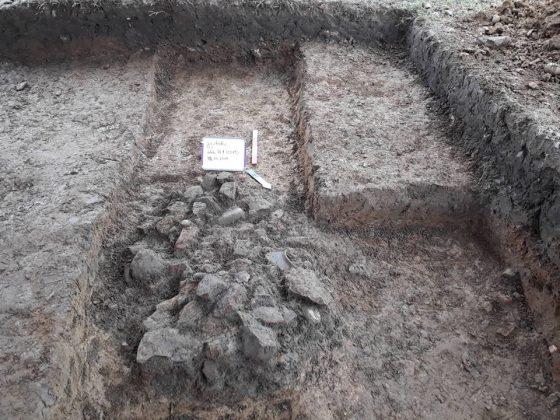 არქეოლოგიური გათხრები კოლხურ ნასახლარზე და დეხვირის ციხეზე წელსაც გრძელდება