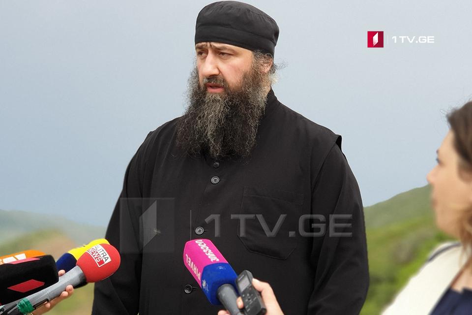 Архимандрит Кирион - Азербайджанские пограничники перекрыли весь периметр монастыря Удабно, они не пускают паломников, туристов и духовных лиц