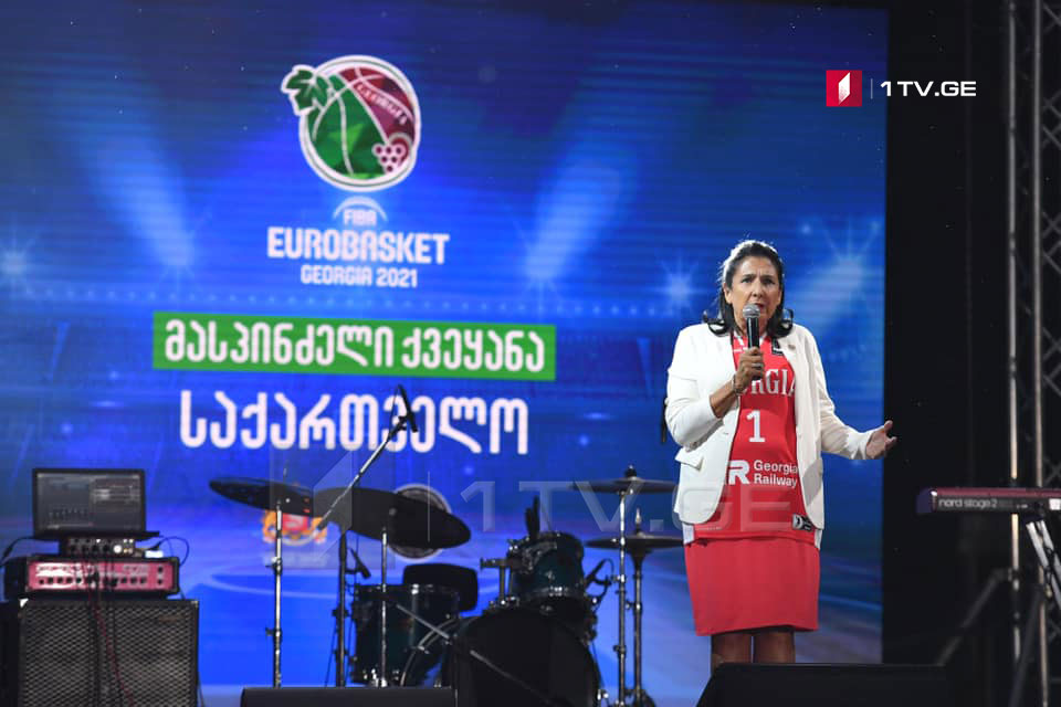 Сaломе Зурaбишвили –2021 шықәсaзы  Европaтә aчемпионaт амҵәышәымпылазы ҳтәылaҿ aхьымҩaҧысуa ала, Европa Қырҭтәылa иaлaлоит, Қырҭтәылa Европa иaлaлоит