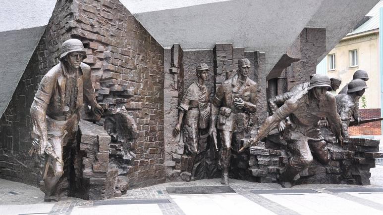 პოლონეთი მეორე მსოფლიო ომის დროს ვარშავის აჯანყების 75 წლისთავს აღნიშნავს