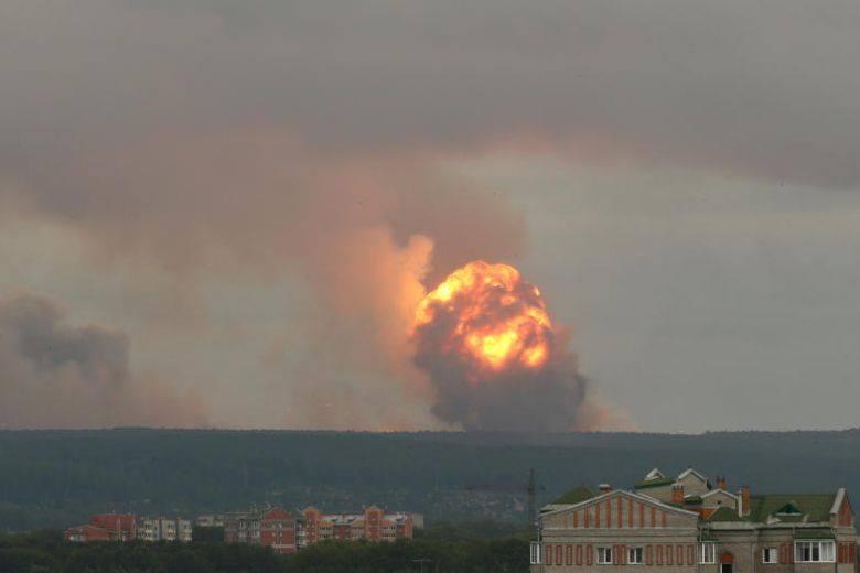 ციმბირში, საბრძოლო მასალების საწყობში აფეთქებებისას რვა ადამიანი დაშავდა