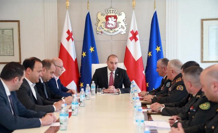 Мамука Бахтадзе - Социальное обеспечение военнослужащих является одним из важнейших приоритетов правительства, и в этом направлении особенный проект - это строительство квартир