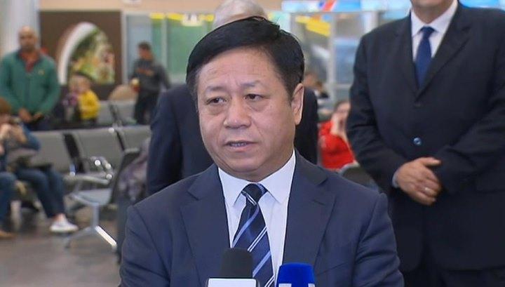 """Китайский дипломат- Запад пытается осуществить в Гонконге """"цветную революцию"""""""