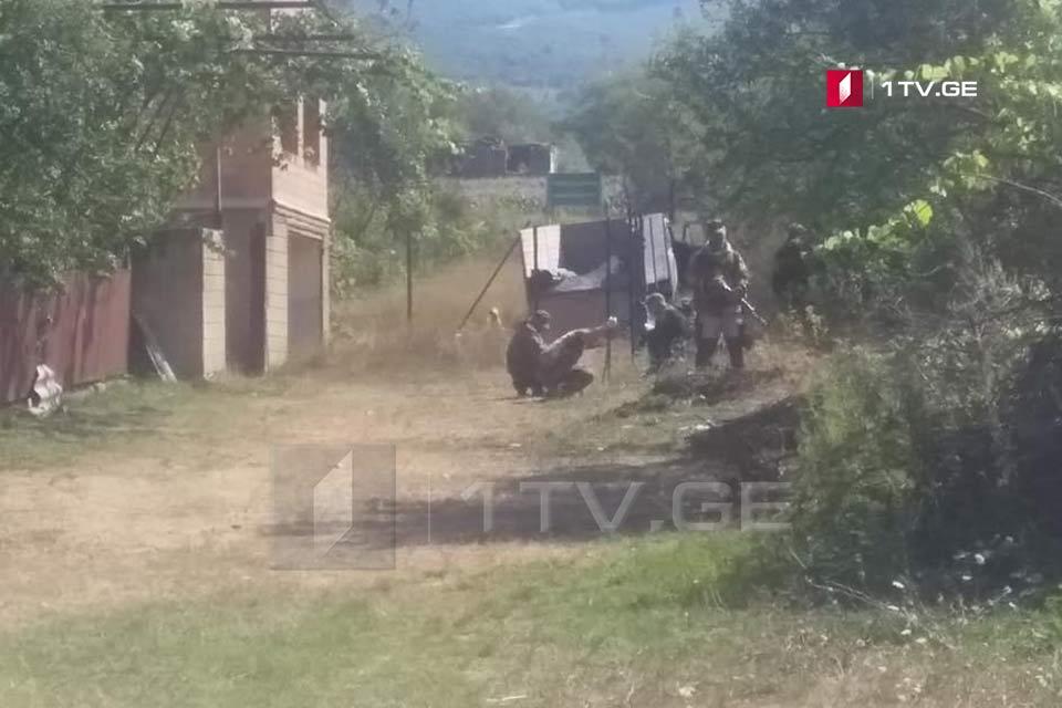 სოფელ გუგუტიანთკართანრუსმა სამხედროებმა სამუშაოები განაახლეს, საოკუპაციო ხაზს მიღმა შესაძლოა, კიდევ ორი სახლი აღმოჩნდეს