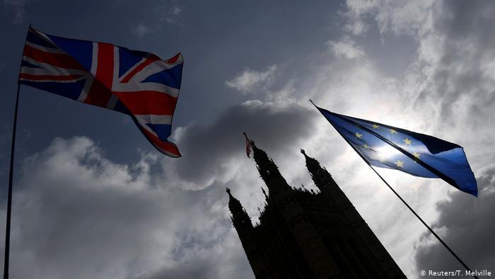 """""""სანდეი თაიმსი"""" - ე.წ. ხისტი ბრექსიტის შემთხვევაში დიდ ბრიტანეთს საკვების, საწვავის და წამლების დეფიციტი ემუქრება"""