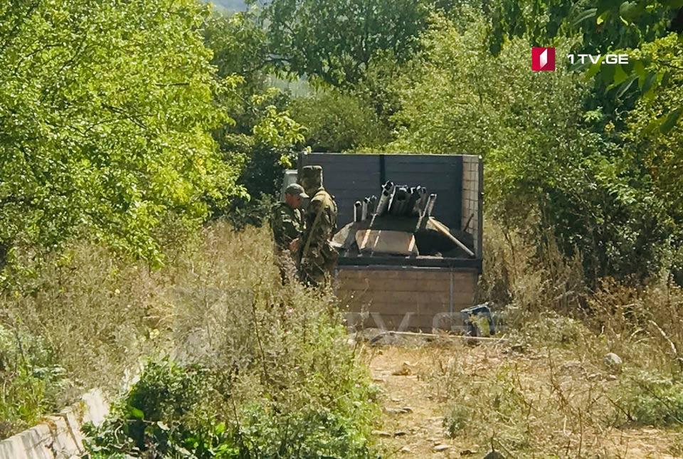 İşğal qüvvələri nümayəndələri Ququtiankaridə hasarların ucaldılmasına başladılar (foto)