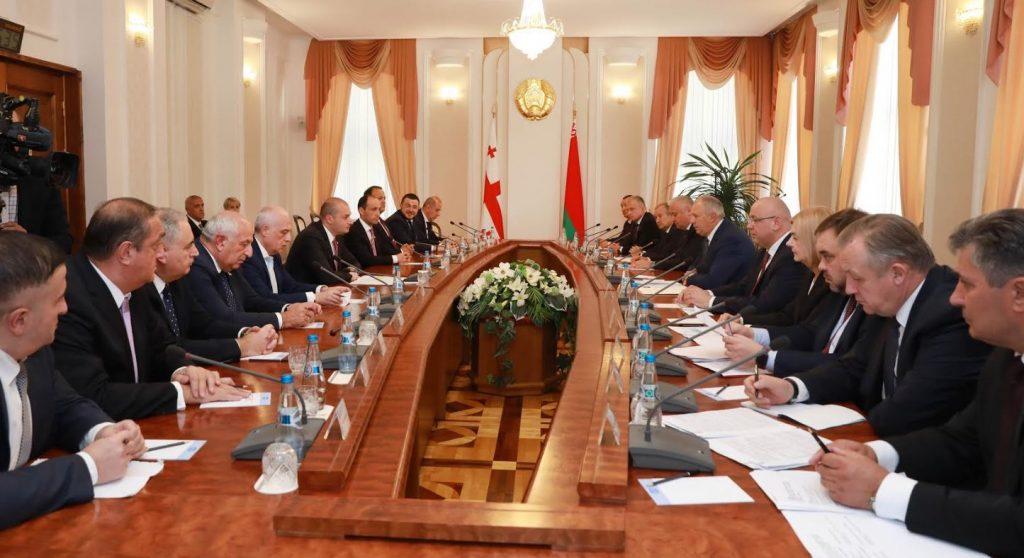 Мамука Бахтадзе встретился с премьер-министром Беларуси Сергеем Румасом