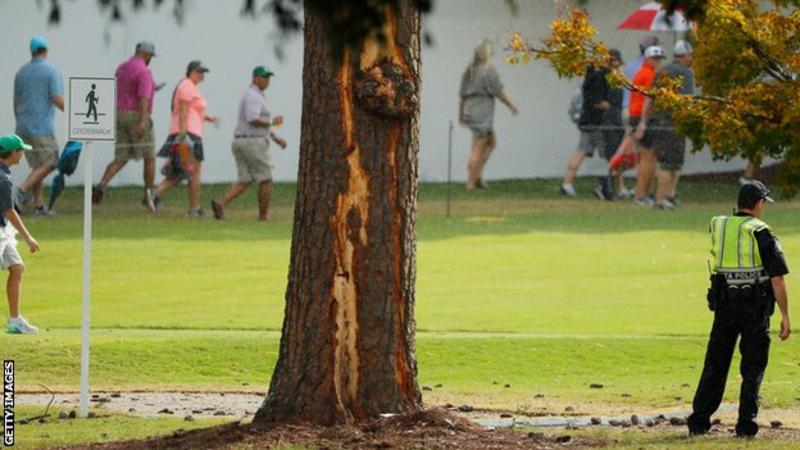 ატლანტაში, გოლფის ტურნირისას მეხის დაცემის შედეგად, რამდენიმე ადამიანი დაშავდა