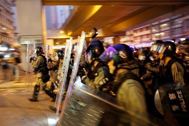 ჰონგ-კონგში აქციის მონაწილეებსა და პოლიციას შორის ღამით რამდენიმე შეტაკება მოხდა