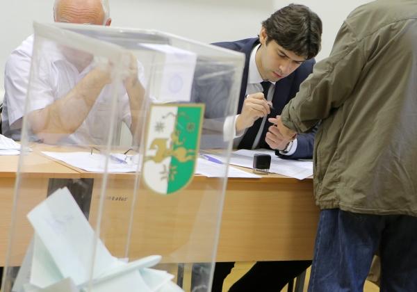 В оккупированной Абхазии прошли т.н. президентские выборы