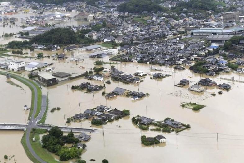 იაპონიაში ძლიერი წვიმის შედეგად ორი ადამიანი დაიღუპა