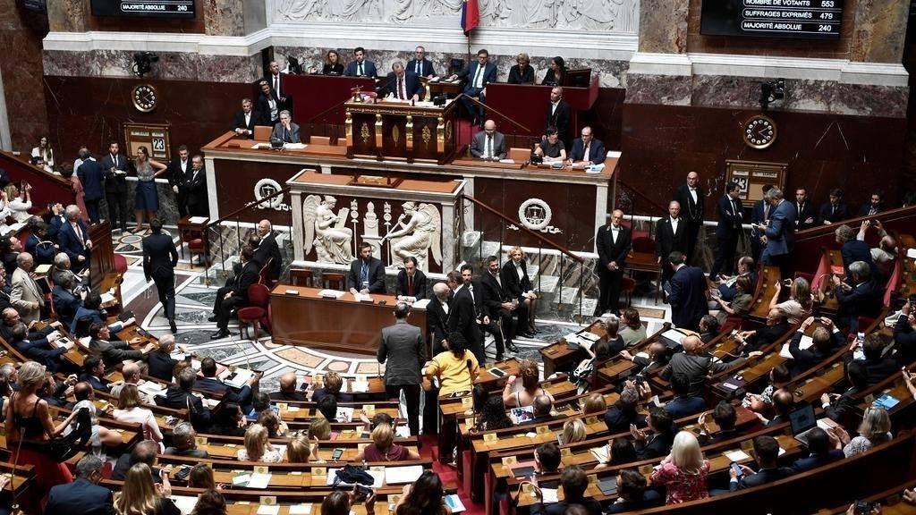 საფრანგეთის მთავრობა პარლამენტის წევრთა რაოდენობის 25 პროცენტით შემცირებას გეგმავს