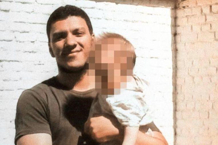 """სირიაში """"ისლამური სახელმწიფოს"""" წევრი დააკავეს, რომელსაც 100 ადამიანის მკვლელობაში ადანაშაულებენ"""