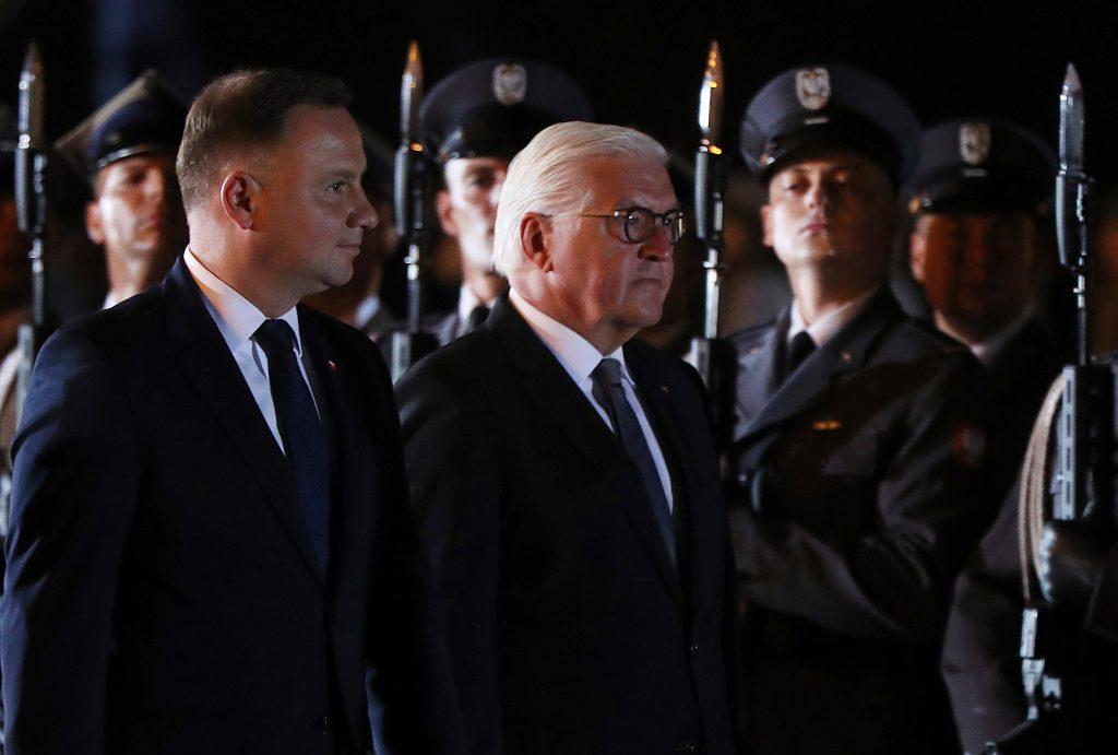 პოლონეთისა და გერმანიის პრეზიდენტებმა ქალაქ ველიუნში მეორე მსოფლიო ომის მსხვერპლთა ხსოვნას პატივი მიაგეს