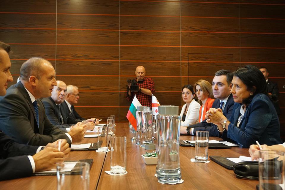 Salome Zurabişvili Bolqarıstan prezidenti ilə görüşdü