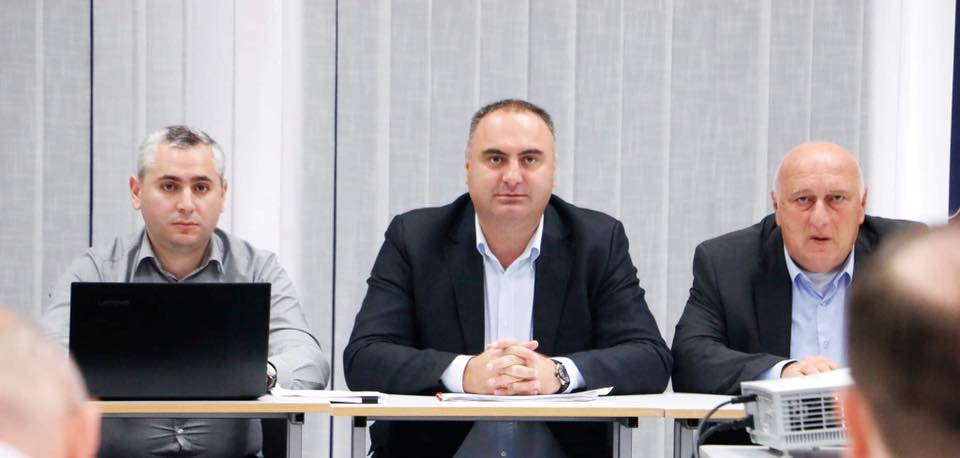 Комиссия по изучению вопросов беженцев начала работу по передаче семьям квартир в Тбилиси