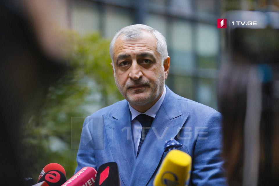 Мамука Хазарадзе заявляет, что вместе с общественным движением учредит и политическую партию