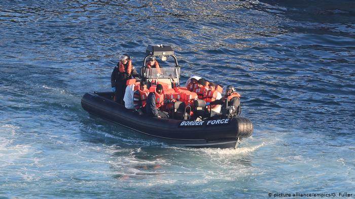 ლა-მანშის სრუტის გადალახვით დიდ ბრიტანეთში მოხვედრის მცდელობისას 84 არალეგალი მიგრანტი დააკავეს