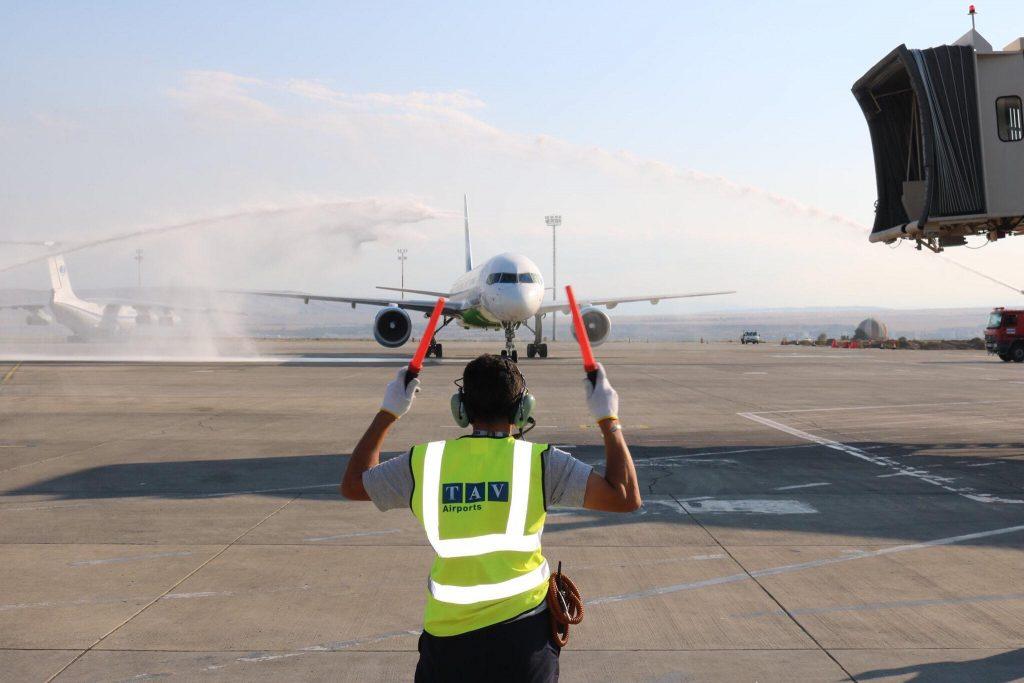 აგვისტოში საქართველოს აეროპორტებში მგზავრთნაკადი 11 პროცენტით შემცირდა