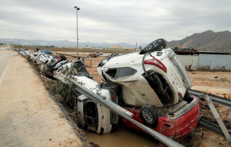 Число погибших и пострадавших от наводнений в Испании растет