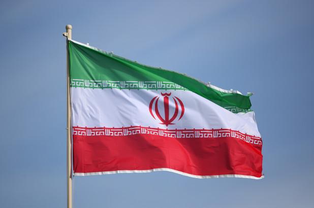 ირანში საუდის არაბეთში თავდასხმას უარყოფენ, მაგრამ ამბობენ, რომ ომისთვის მზად არიან