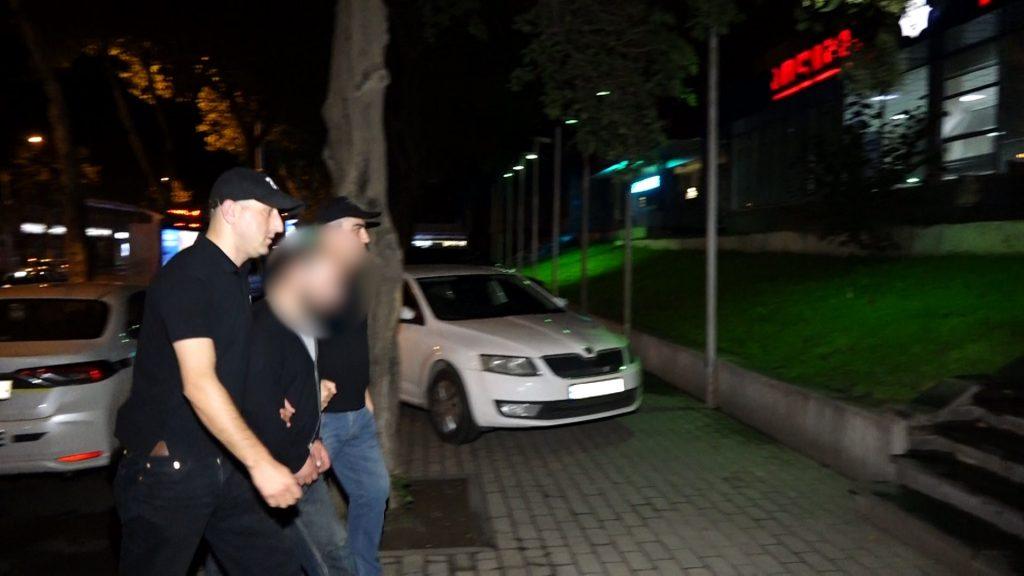 პოლიციამ თაღლითობის ბრალდებით თბილისში ერთი პირი დააკავა
