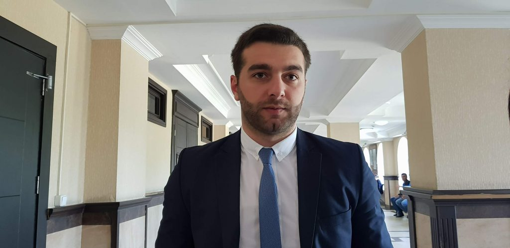 ადვოკატი ადასტურებს, რომ სალომე ზურაბიშვილმა მკვლელობისთვის გასამართლებული ასლანბეჟანიძე შეიწყალა