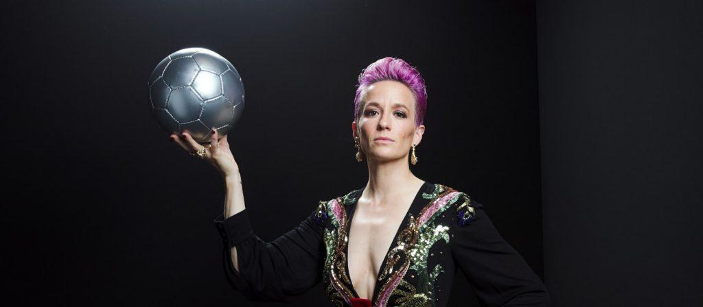 წლის საუკეთესო ქალ ფეხბურთელად ფიფა-მ (FIFA) მეგან რაპინო დაასახელა