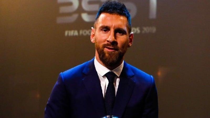 ფიფა-ს (FIFA) საუკეთესო მოთამაშის არჩევისას, ჯაბა კანკავამ ვან დეიკს მისცა ხმა, ვლადიმირ ვაისმა - ლიონელ მესის