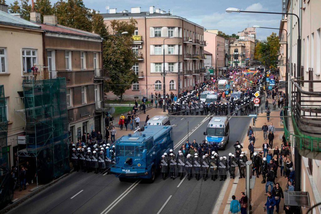 Polşada LGBT icması tərəfdarları və əleyhdarları aksiyası polislə toqquşma ilə başa çatdı