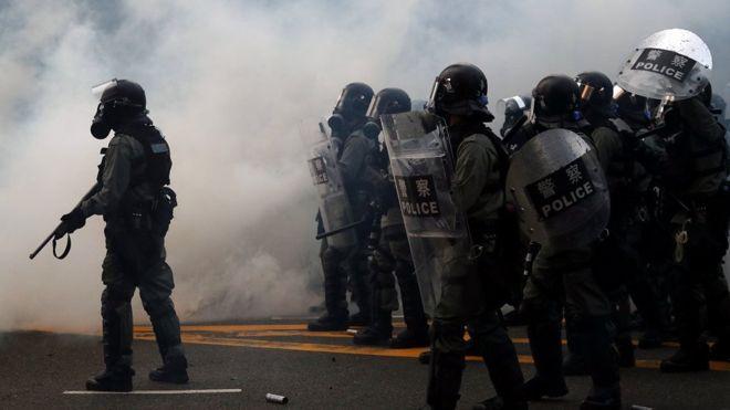 ჰონგ კონგში დემოკრატიის დაცვის მოთხოვნით მორიგი აქცია პოლიციასთან შეტაკებით დასრულდა