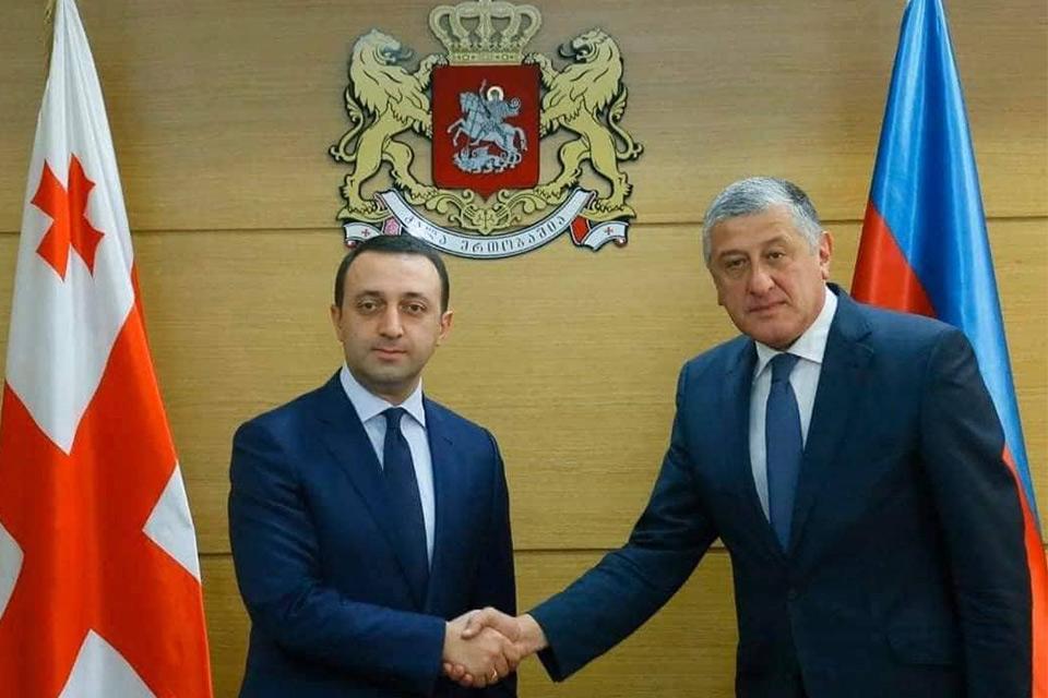 თავდაცვის მინისტრმა საქართველოში აზერბაიჯანის რესპუბლიკის სრულუფლებიან და საგანგებო ელჩს უმასპინძლა