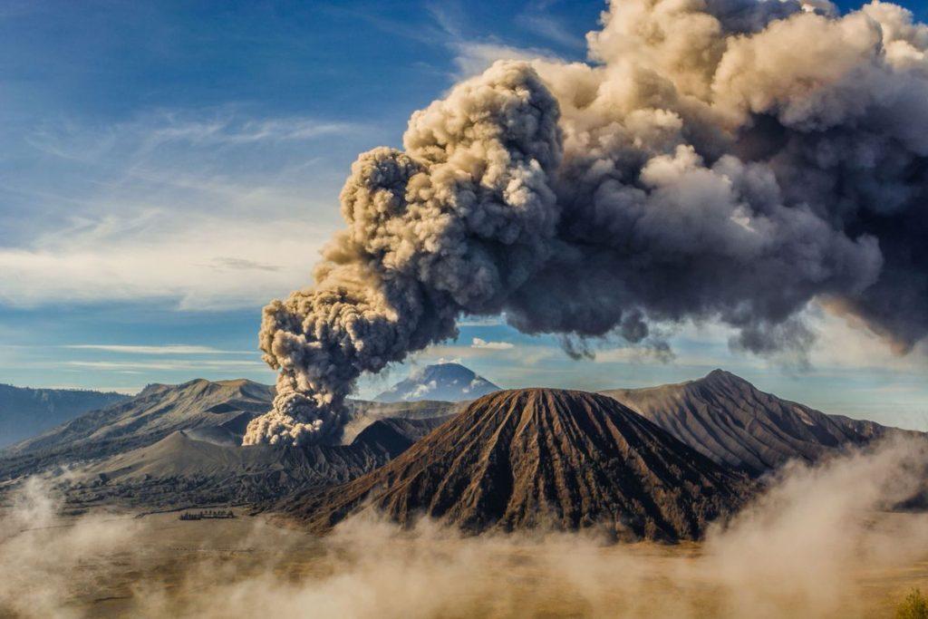 კაცობრიობა ყოველწლიურად 100-ჯერ მეტ CO2-ს გამოყოფს, ვიდრე პლანეტის ყველა ვულკანი ერთად