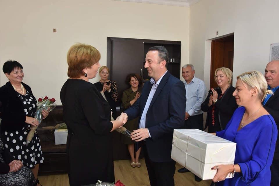 მასწავლებელთა საერთაშორისო დღესთან დაკავშირებით, ოზურგეთელი მენტორი პედაგოგები დააჯილდოვეს