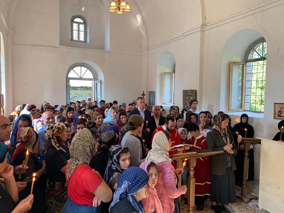 კახის რაიონში, ახლადამოქმედებულ წმინდა სამების ეკლესიაში, ბოლო 120 წლის განმავლობაში პირველად, საზეიმო წირვა-ლოცვა ჩატარდა