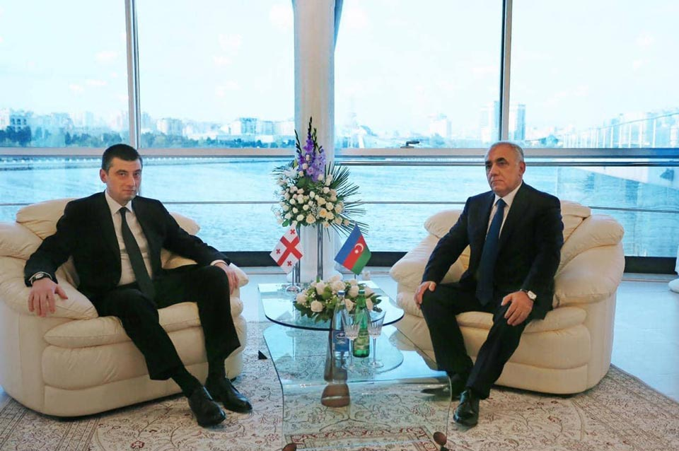 Գիորգի Գախարիան հանդիպել է Ադրբեջանի միլի մեջլիսի նախագահի և նորանշանակ վարչապետի հետ