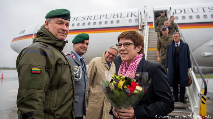 НАТО планирует увеличить военное присутствие в странах Балтии