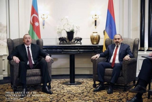В Ашхабаде состоялась встреча Ильхама Алиева и Никола Пашиняна