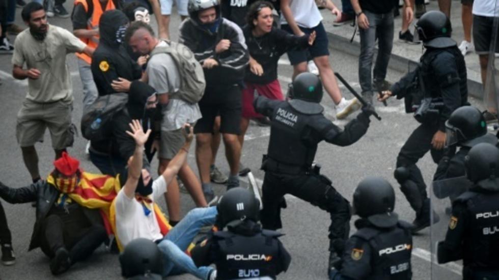 ბარსელონის აეროპორტში დემონსტრანტებსა და პოლიციას შორის შეტაკება მოხდა