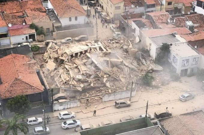 ბრაზილიაში შვიდსართულიანი საცხოვრებელი შენობა ჩამოინგრა [ვიდეო]