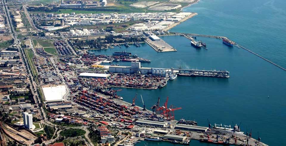 Началось регулярное морское сообщение контейнеровозов между портами Грузии и Украины